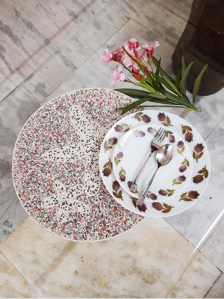 Zuniga Placemats for round table - -